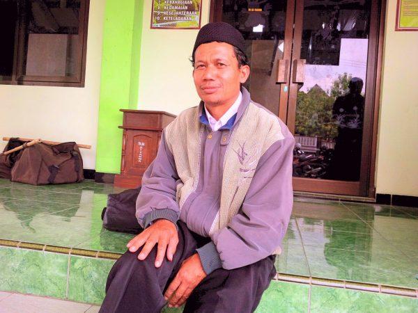 Sapto mantan Kepala Desa Karangtengah Kecamatan Karangtengah
